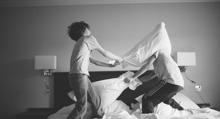 blog pillow fight